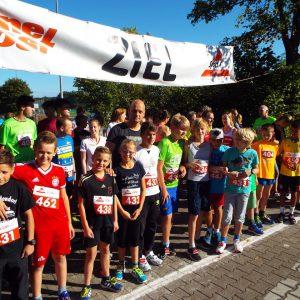 Klasse 6.1 startet beim Volkslauf in Adendorf
