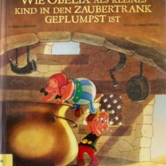 In diesem Band erfährt man endlich, wie Obelix in den Zaubertrank geplumpst ist!